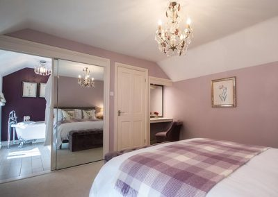 Master suite with king size bed and ensuite